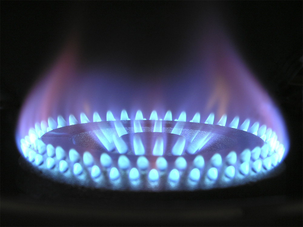 Stove Flame Utilizing Natural Gas